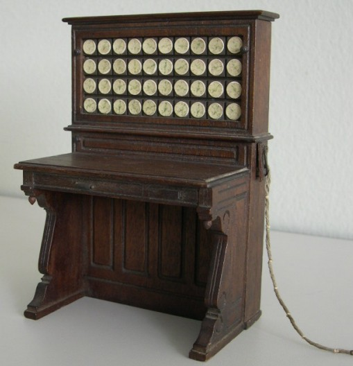 image of View of the Herman Hollerith Electric Tabulating Machine salesman's model from the side.